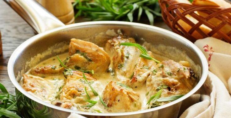 Poitrines de poulet poêlées sauce crémeuse... miel, ail et moutarde de Dijon. - Recettes - Ma Fourchette