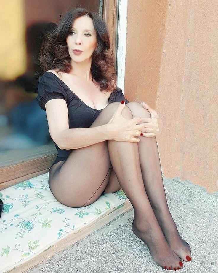 Pin on Cougar Dating & Meet Mature Women