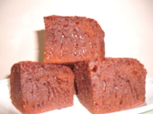Kek gula hangus tanpa susu dalam adunan dengan cara membuat yang mudah,tak perlu perap adunan dengan hanya mengacau adunan kek tetap bersarang penuh.Sesuai dimakan bila2 waktu.