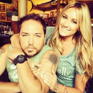 Jason Aldean Defends His Relationship With Girlfriend Brittany ...