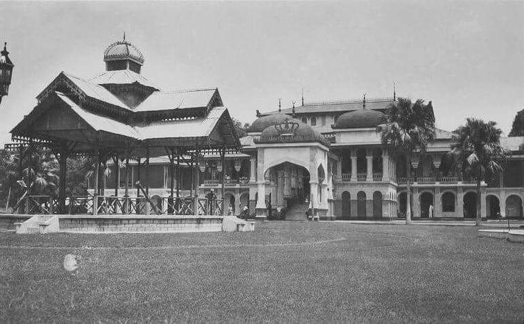 1935 Istana Maimun, Medan. Sumatra.