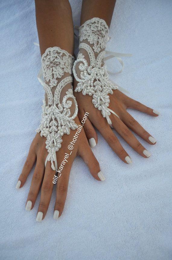 78 images propos de gants dentelle sur pinterest bracelets gants en dentelle et mariage d. Black Bedroom Furniture Sets. Home Design Ideas
