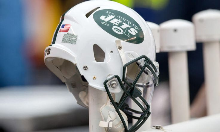 Jets hire first female coach to help with defensive backs = It appears as though the New York Jets will be making some history this offseason. According to an initial Thursday evening report from the New York Daily News, the Jets have hired the franchise's first-ever female coach. As a result, Collette Smith will.....