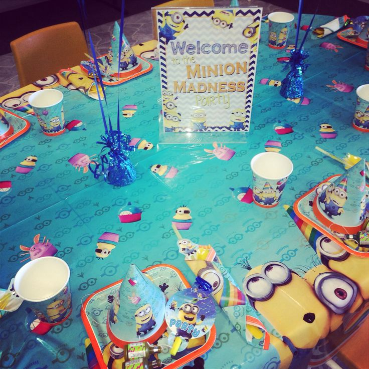 Minion table setting
