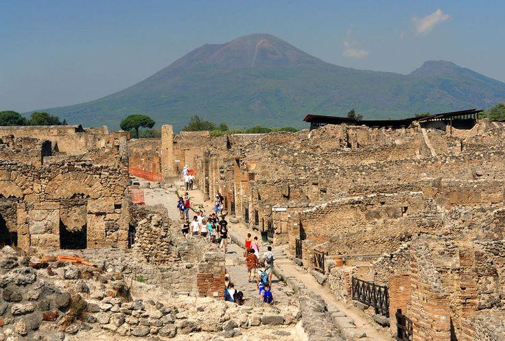 Pompeji im Italien Reiseführer http://www.abenteurer.net/1981-italien-reisefuehrer/
