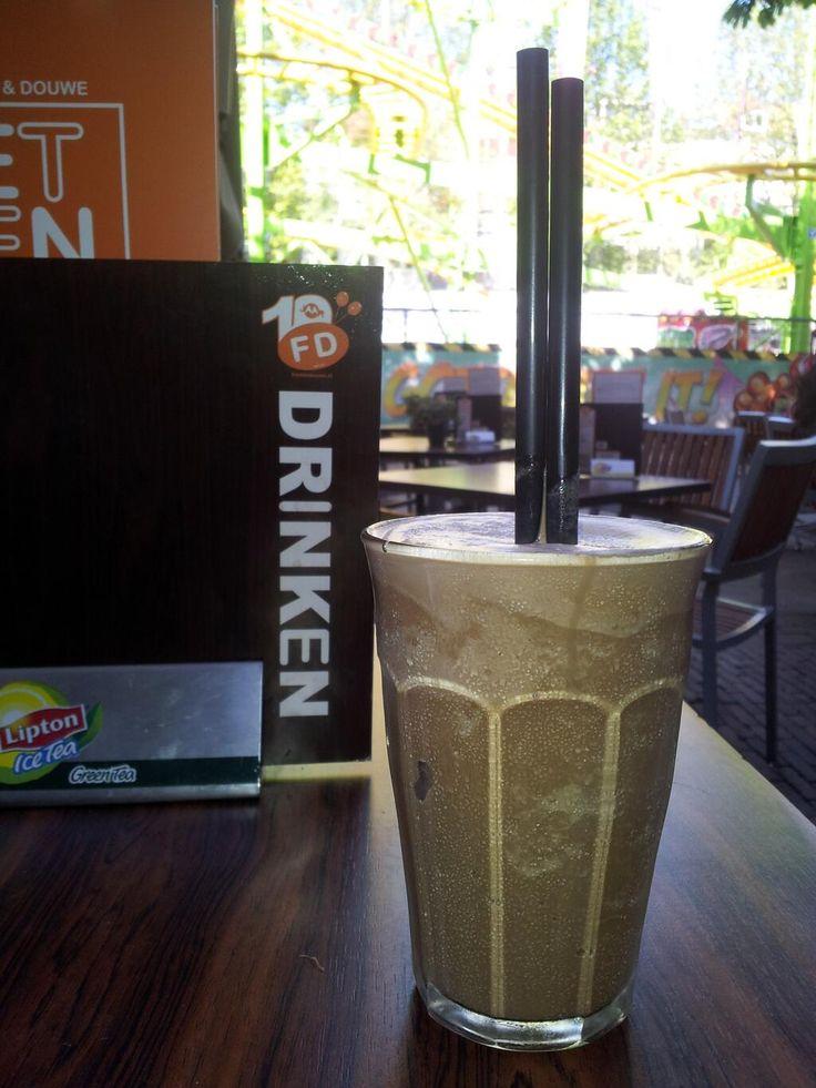 Twitter / Janneke0570: Terras + zon = ice coffee !!! ...
