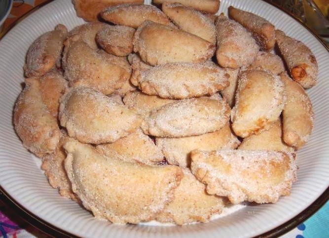 Empanadas de Piña (Pineapple Empanadas) Can use fresh guava as well...or any of your choice