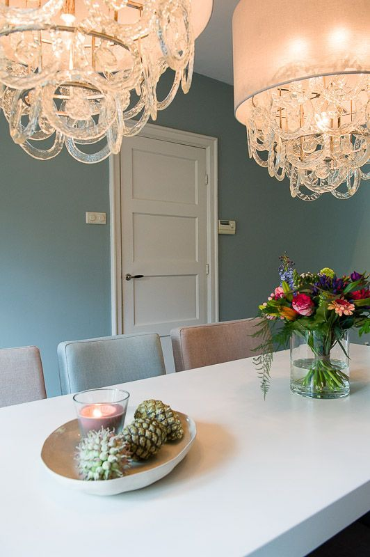Eetkamer met krijtverf muur. Ecologisch afbreekbare krijtverf Amazona Vert de Bleu