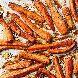 Pieczona marchew z masłem orzechowym | Kwestia Smaku