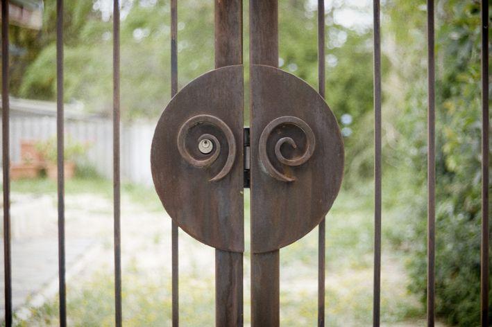 Gate detail , Tavoli Designs