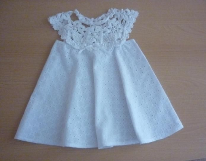 Baby dress: Crochet lace yoke and broderie anglaise skirt ~~ вязание платья для девочки 2лет