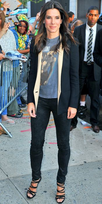 Sandra Bullock mixes casual with rock chic! We love it!