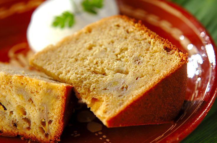 熟したバナナを使うのがポイント。ブラウンシュガーでコクと風味がグッと増します。ホームベーカリーで完熟バナナケーキ/横田 真未のレシピ。[洋菓子/その他洋菓子]2012.06.11公開のレシピです。