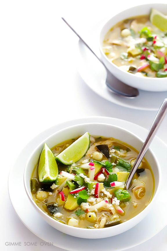 Einfache Huhn Posole Verde - das leckere und einfache Suppe ist bereit, in nur 20 Minuten zu gehen!     gimmesomeoven.com