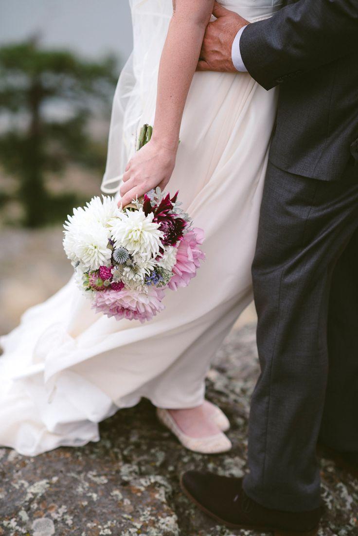 #tobiano #outdoor #beautiful #classic #wedding #photography #love #rozalindewashinaphotography #flowers #realmoments