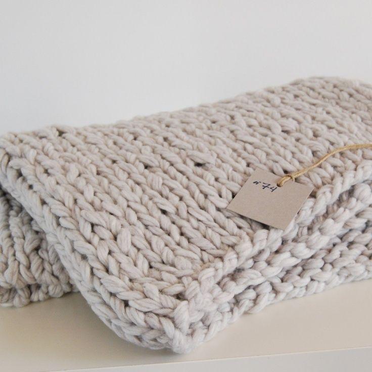 Les 25 meilleures id es de la cat gorie couvertures de bras en tricot sur pinterest - Grosse laine chunky ...