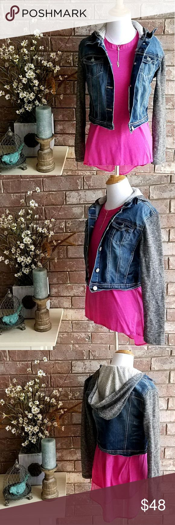 Hooded Jean Jacket Hooded Jean Jacket with black heathered knit fabric sleeves and hood. Wallflower Jackets & Coats Jean Jackets