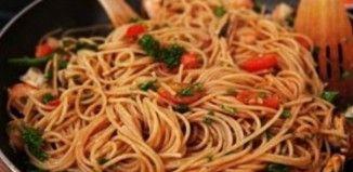 Πρέπει να το δοκιμάσεις!!! Σπαγγέτι ολικής με γαρίδες και ντομάτες! Θα ξετρελαθείς!!!