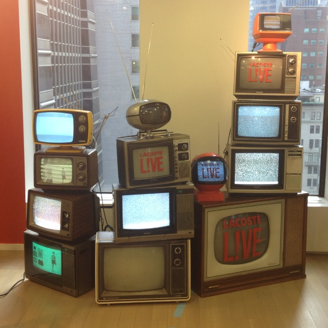 These Creative Man Cave Ideas Will Help You Relax In Style: 104 Best Reuse Of Vintage Tv's Images On Pinterest