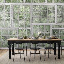 De ramen bieden een blik op een groene palmentuin. Als we naar buiten kijken, dan kun je zien dat de mens de strijd met de natuur heeft verloren. Deze mural zal u de diepte, het uitzicht en perspectief geven in een kamer zonder uitzicht op de tuin .