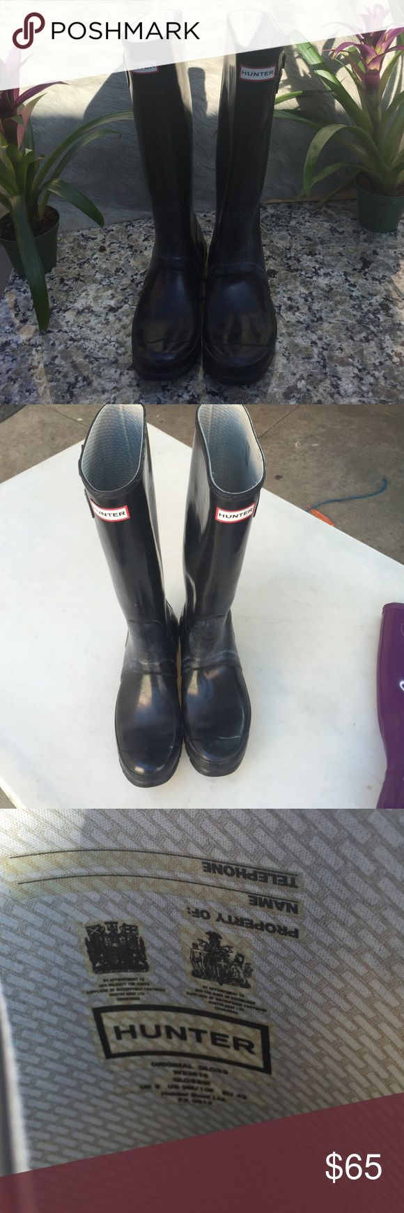 Hunter Rain Boots Preloved with visual signs of wear, can be cleaned but I will leave that up to you. Good condition, stylish and will keep your feet dry.size UK 8 US 9M/10F EU42 Hunter Boots Shoes Winter & Rain Boots