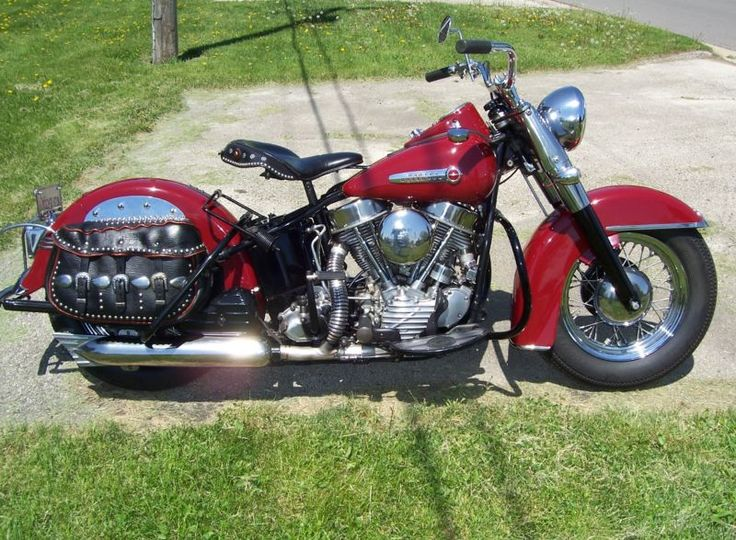 1949 HARLEY DAVIDSON Panhead FAMILY OWNED SINCE NEW. RESTORED IN 1995.
