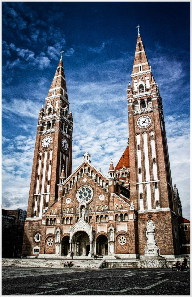 Show your #architectural talent in a community who contributes to world`s innovation on #buildyful.com :-) #students~~Szeged, Hungary