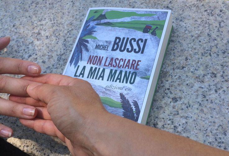 """Ciao e buona giornata! """"Non lasciare la mia mano"""", recita il titolo dell'ultimo libro di Michel Bussi, il più celebre scrittore di noir in Francia, meno di quello che merita, qui da noi in Italia. …"""