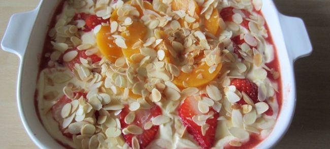 Zalige Trifles Met Mascarpone, Advocaat En Fruit recept | Smulweb.nl