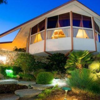 ARCHI : The house where Elvis Presley in past his honeymoon is for sale for 9,5 million dollars! http://www.etvonweb.be/65692-archi-la-maison-ou-elvis-presley-a-passe-sa-lune-de-miel-est-en-vente-pour-95-millions-de-dollars