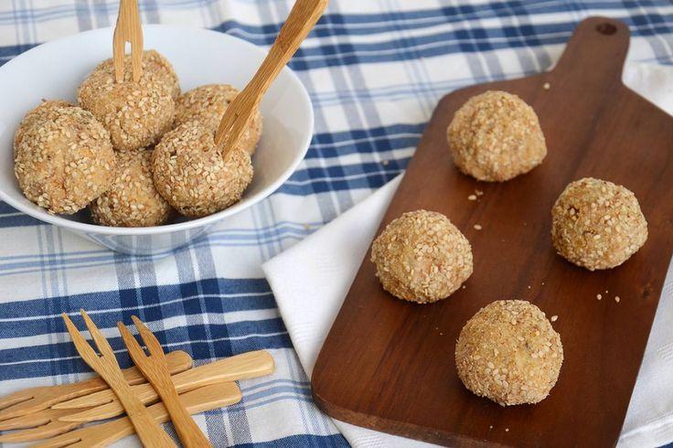 Polpette di tonno e ricotta, scopri la ricetta: http://www.misya.info/ricetta/polpette-di-tonno-e-ricotta.htm