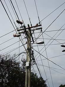 Utility pole - Wikipedia, the free encyclopedia