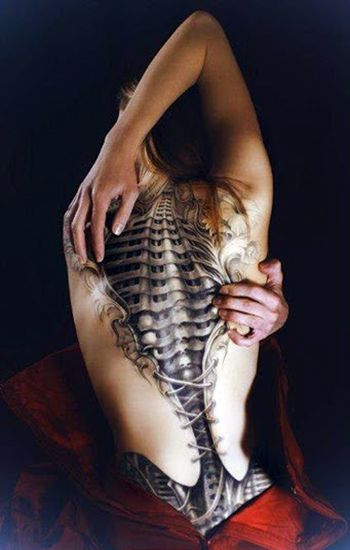 Amazing Collection of 3D tattoos for girls which includes ladybirds 3D tattoos, butterfly 3D tattoos, 3D Tattoo on back and some other awesome 3d tattoo art