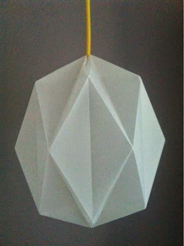 Zelf vouwen: origami lamp