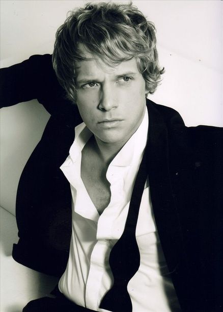 Chris Geere as Robert in The Duchess War - Courtney Milan