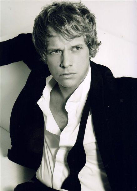 Chris Geere as Robert in The Duchess War - Courtney Milan