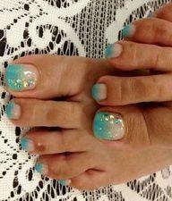 Beach toe nails? I do believe so! <3