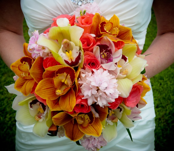 270 best images about tropical wedding bouquets on pinterest bride bouquets tropical and. Black Bedroom Furniture Sets. Home Design Ideas