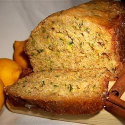 Pain dessert au zucchini et au citron