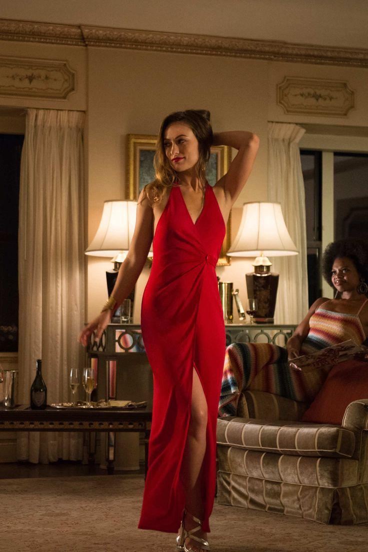 Olivia Wilde as Devon Finestra, Susan Heyward as Cece.