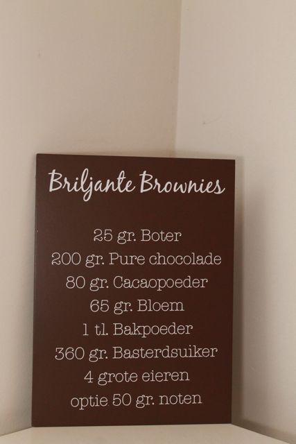 Een fantastisch tekstbord met een brownie recept erop. Leverbaar in verschillende kleuren en maten. Neem een kijkje in onze webshop, sfeerhof.nl