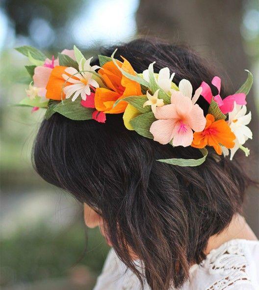 diy la couronne de fleurs en papier sur fleurs en papier. Black Bedroom Furniture Sets. Home Design Ideas