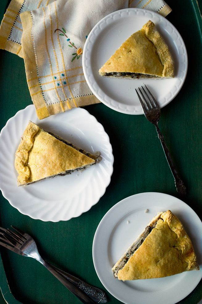Sicilian home cook Giovanna Giglio Cascone taught us how to make these moist lamb pies.