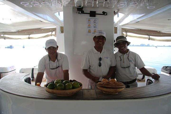 WakaSailings smiling Cruise Directors and crew are ready to welcome you on board our luxury Catamaran for a sensational sailing day trip to Lembongan island.  Contact our reservation at reservations@wakahotelsandresorts.com or call us at 62-361-484085  http://ift.tt/2yaDf2P  #wakasailing #wakahotelsandresorts #catamaran #sailing #lembongan #lembonganisland #daytrip #vacation #holiday #honeymoon #adventure #sailaway #boat #oceanlife #snorkeling #villagetour #luxury #luxurycatamaran #ocean…