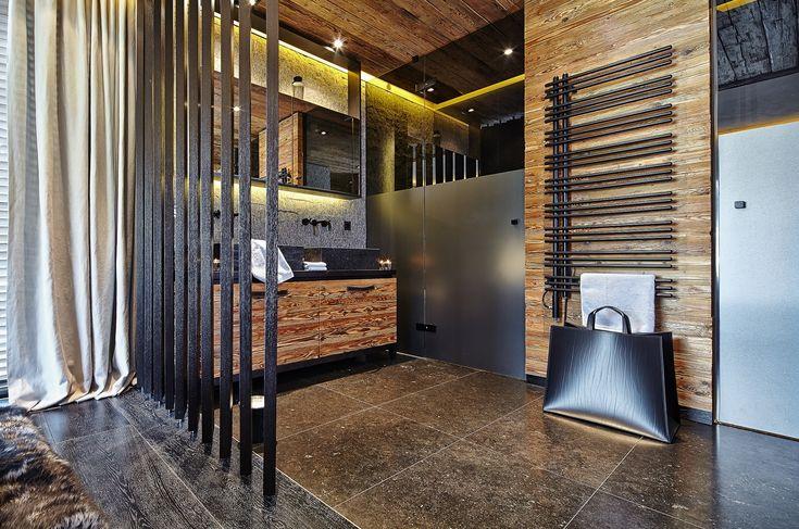 Modernes Badezimmer im Alpine Spirit- Luxus-Penthouse in Kitzbühel