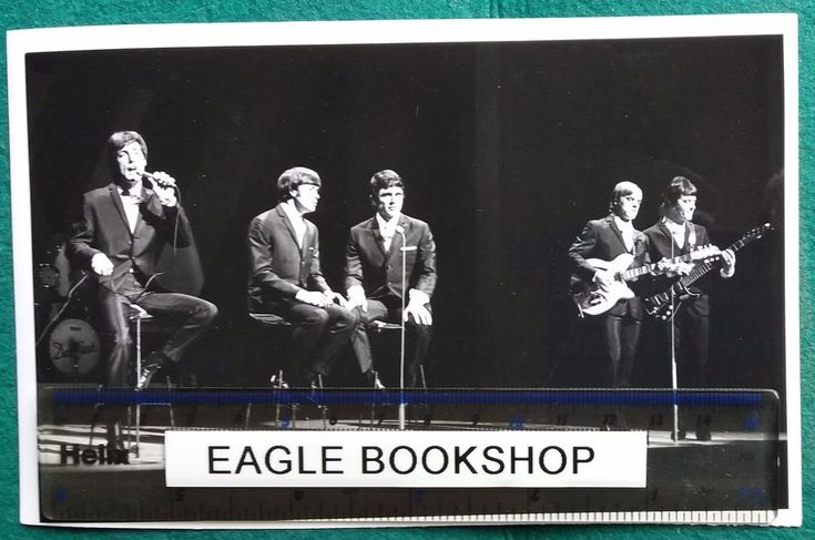THE DAVE CLARK FIVE group performing ORIGINAL U.P. PRESS PUBLICITY PHOTO 1966