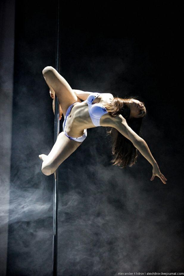Taniec na rurze to sport, to taniec, to dyscyplina, która powinna być jedną z tych, które oglądamy na Olimpiadzie. http://blog.ruszamysie.pl/taniec-na-rurze-rosja/