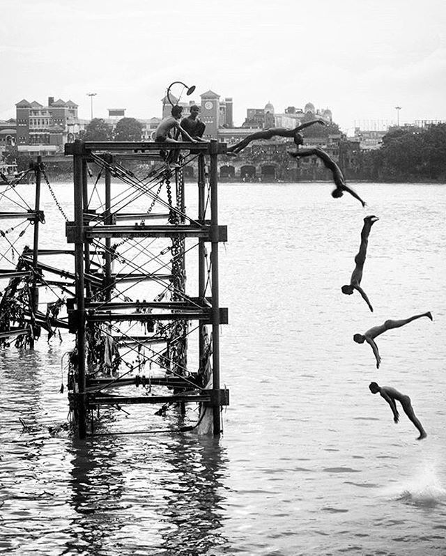 The Jump. . . The Kolkata ghats have never ceased to fascinate us, especially marvelling at the romance and mystery associated with them. Standing the test of time – with its glorious pillars and age old grandeur, the Armenian Ghat is a place that is reminiscent of Kolkata's colonial past and diverse culture. Built by Manvel Hazaar Maliyan, an Armenian by origin, to facilitate shipment of goods from foreign shores currently, this Ghat has been transformed into a huge store-house of the…