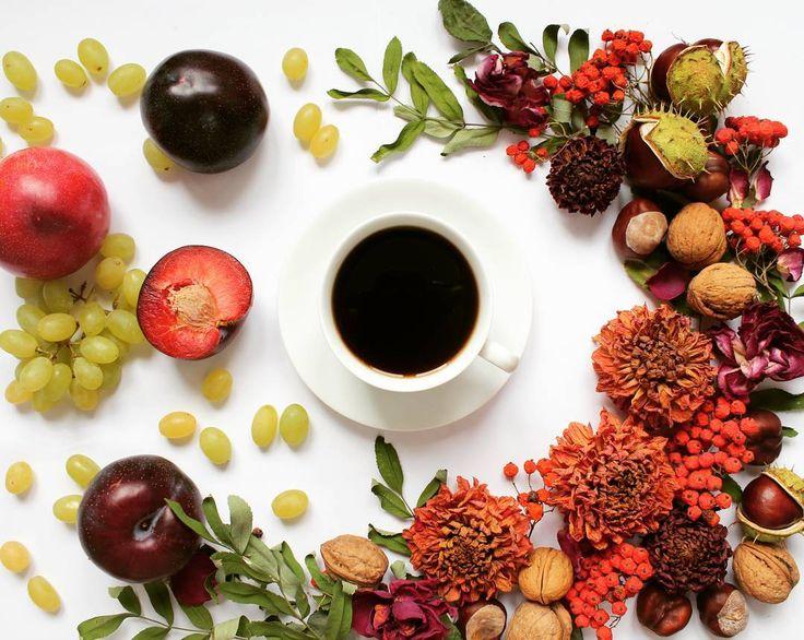 Good morning! Чудесного воскресенья! #кофе #цветы #фрукты #утродобрымбывает #осень #coffeeandseasons #coffeendlife #coffee #cup_are_love #teacoffeelover #coffeetime #coffeegram #tv_stillife #still_life_gallery #tv_neatly #tv_living #tv_lifestyle #mywhitetable #9vaga_shabbysoft9 #9v9 #9vaga9_flowers #9vaga_flowersart9 #9vaga_coffee9 #9vaga_stillife9 #fruits #flowers #flowersgram