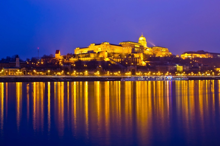 A stunning shot of the Buda Castle at night #Budapest #Amazing #Love // Credits: Duke Fernandez